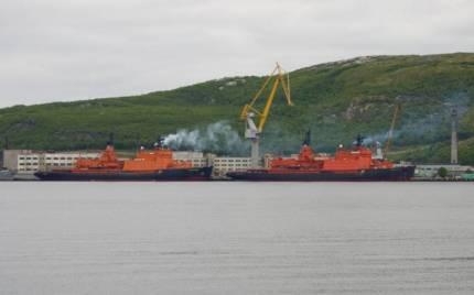 ледоколы в порту