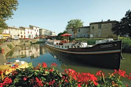 Популярностью у туристов во франции