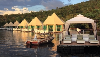 Отель на воде «Four Rivers Floating Lodge»