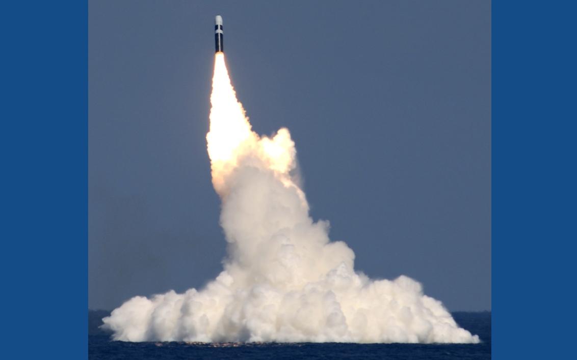 запуск истребителя с подводной лодки