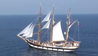 Оригинальный парусное судно «Палинуро»