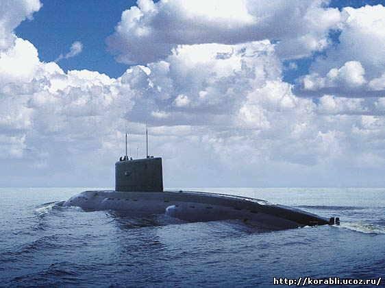 подводную лодку закрыли в бухте