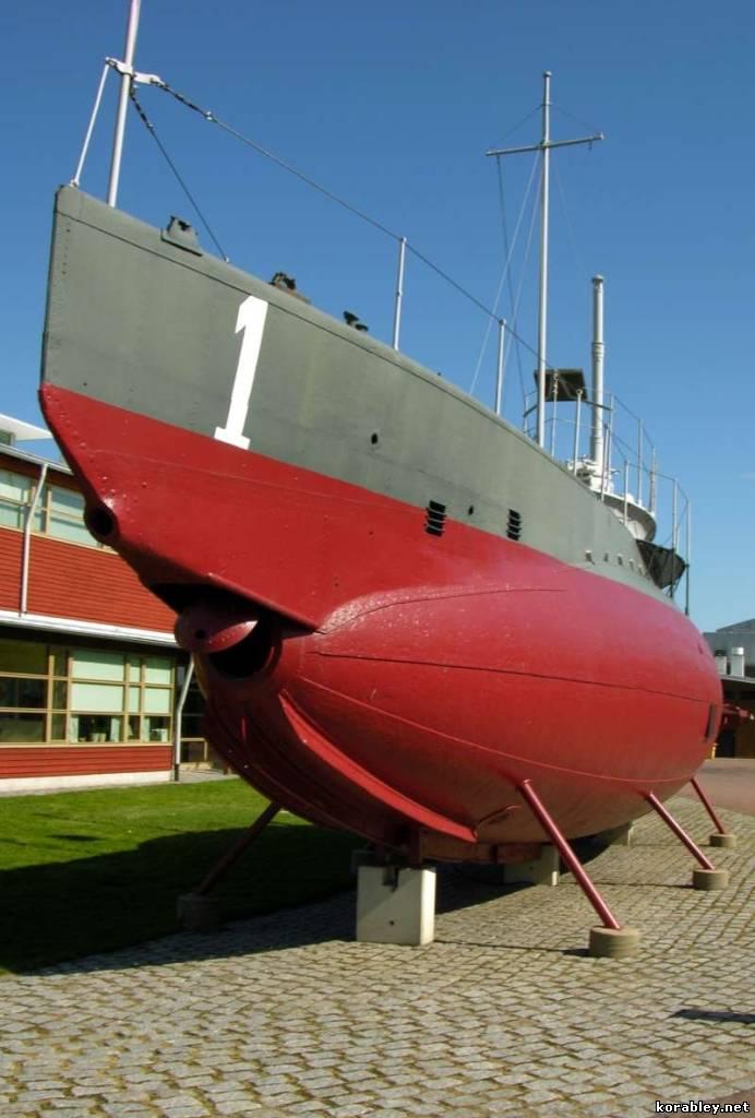 Первая шведская подводная лодка
